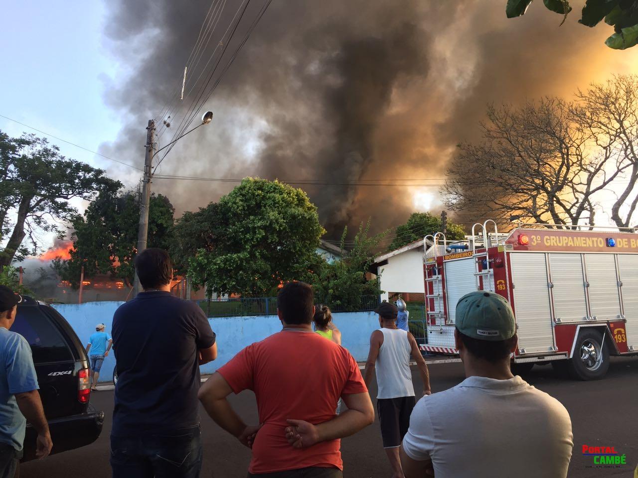 Incêndio destrói escola municipal Santa Terezinha no Norte Pioneiro