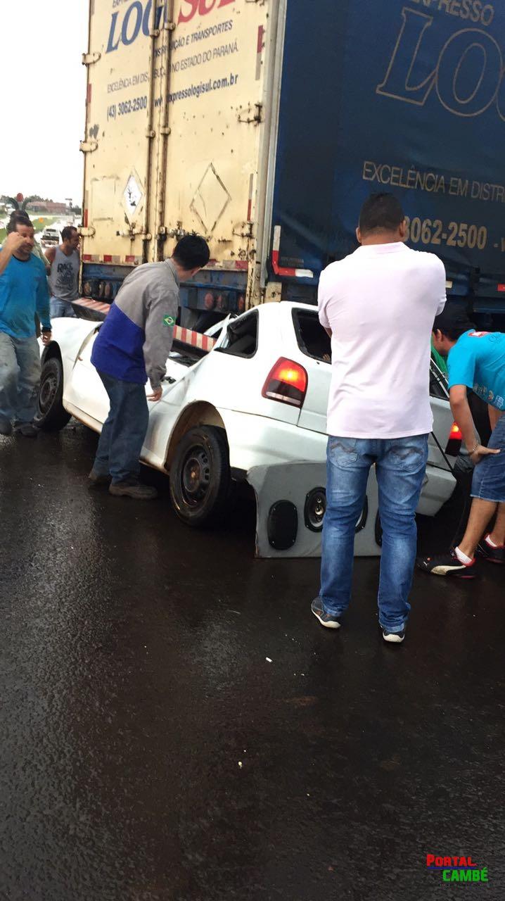 Casal e criança de um ano ficam feridos em acidente na BR 369 em Cambé