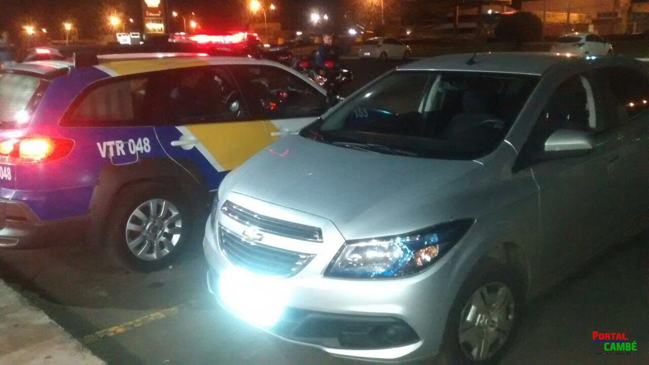 Moradores de Cambé são presos em Arapongas de posse de carro roubado