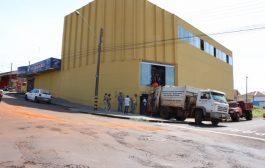 Mercado em Cambé que vendia produtos vencidos é interditado pelo Vigilância Sanitária