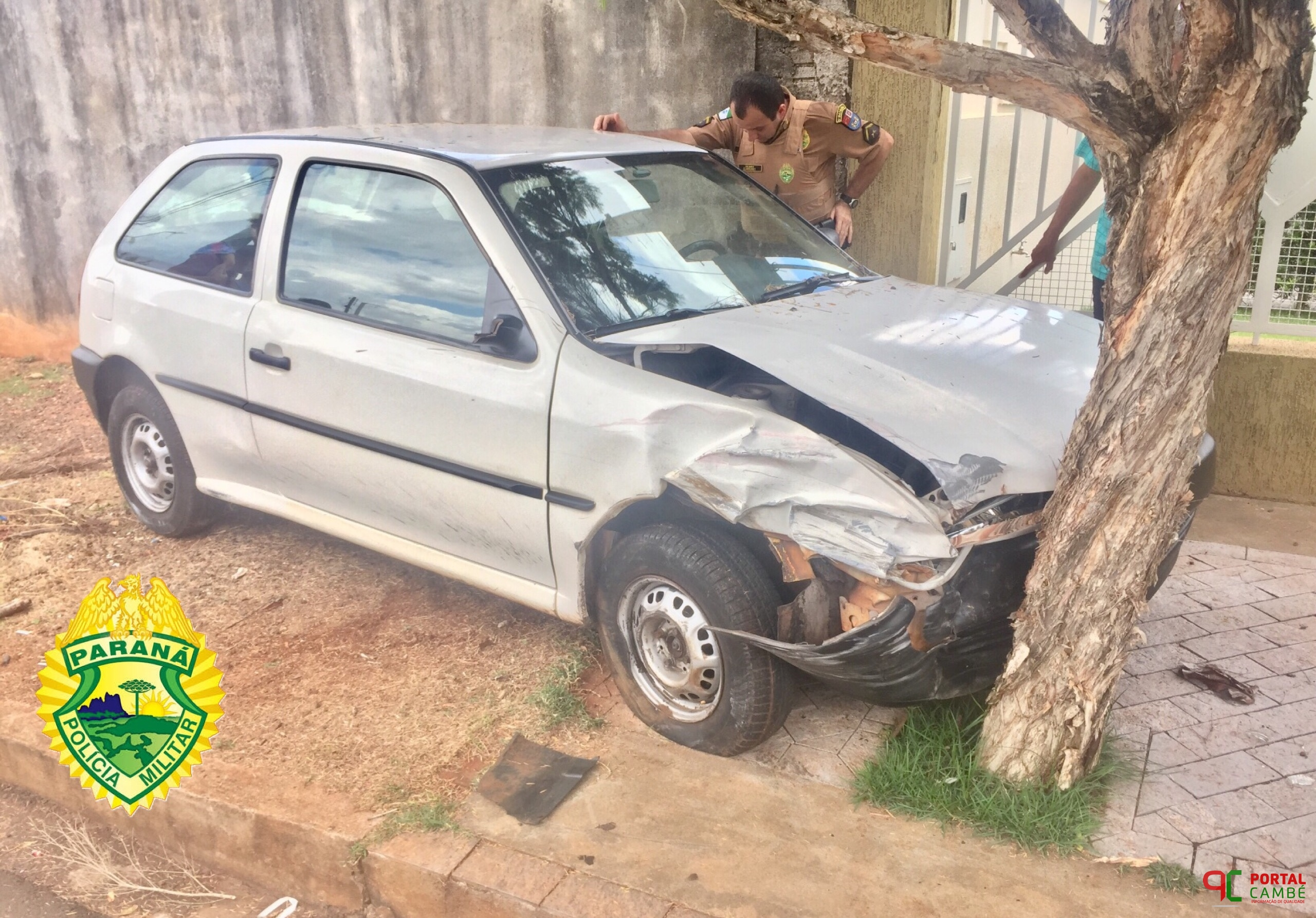 Homem colide com dois veículos, e em seguida bate em árvore no Centro de Cambé
