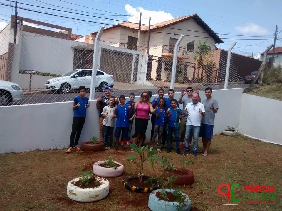 Escola de Lutas e Artes Marciais de Cambé ganha jardim feito por alunos da rede de ensino