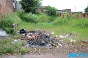 Prefeitura começa a multar donos de terrenos em condições de abandono