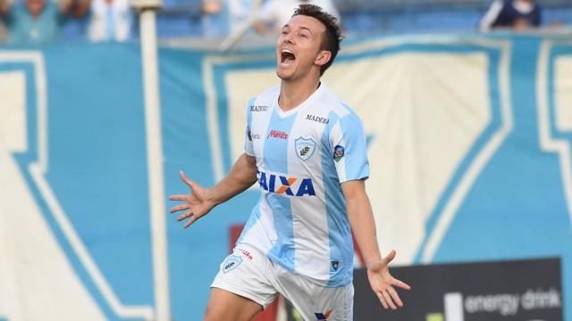 Dagoberto marca na estréia e dá a vitória do Londrina sobre o Boa Esporte