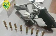 Polícia Militar prende homem por porte ilegal de arma de fogo no Jardim Novo Bandeirantes em Cambé