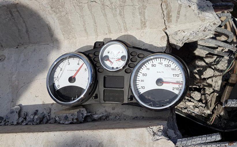 Velocímetro travou nos 190km/h; Duas pessoas morrem em acidente  grave na zona norte de Londrina