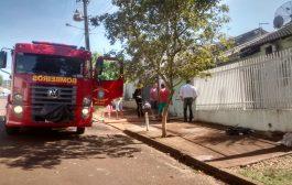 Bombeiros combatem incêndio em residência de Cambé