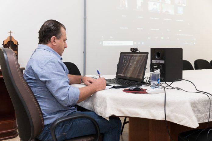 O prefeito Conrado Scheller participou de reunião virtual com prefeitos da Amepar e diretores da Paraná Saúde para discussão sobre a compra de vacinas